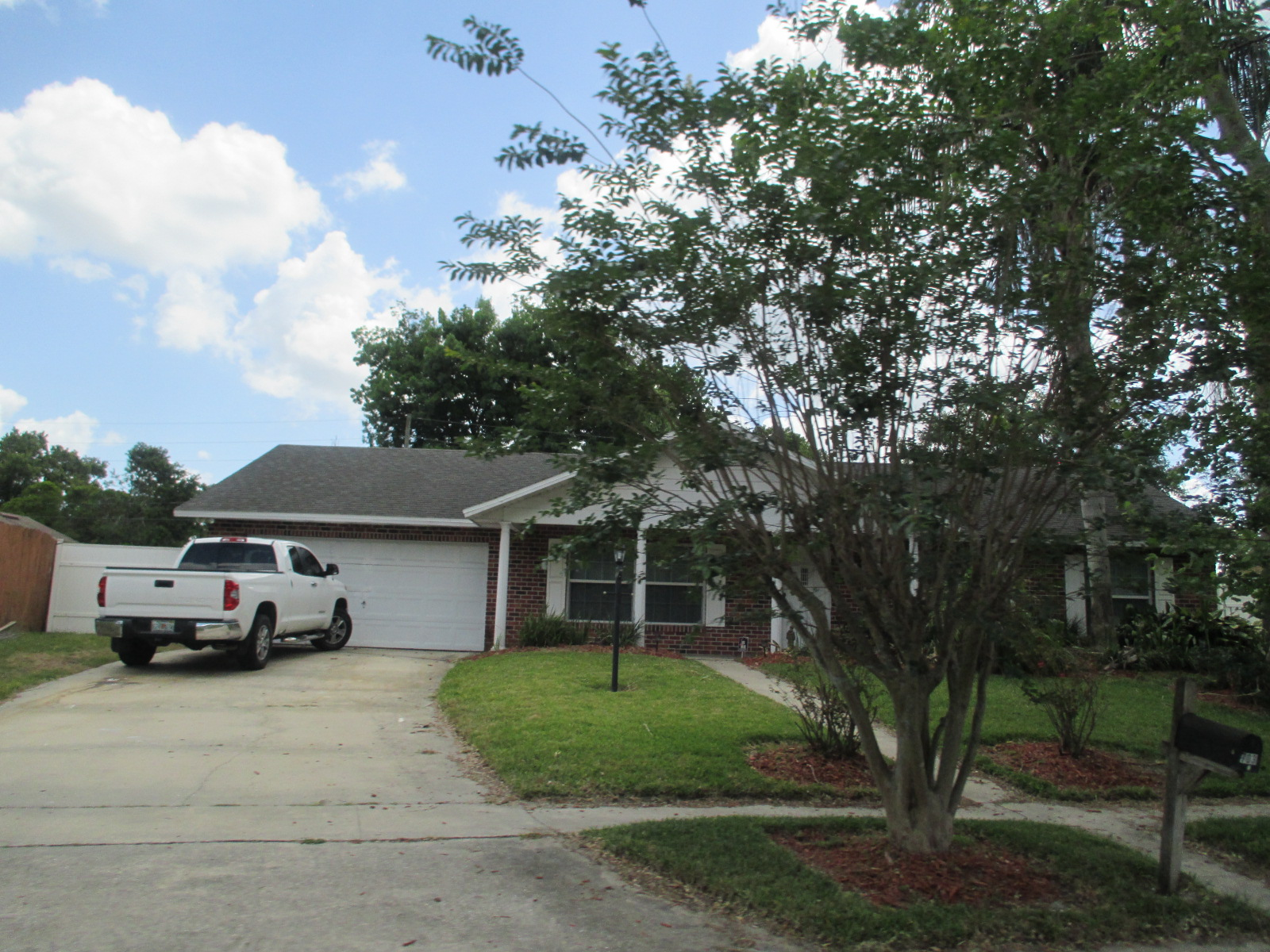 We buy houses FL in Jacksonville. Sell my house fast Jacksonville for cash.