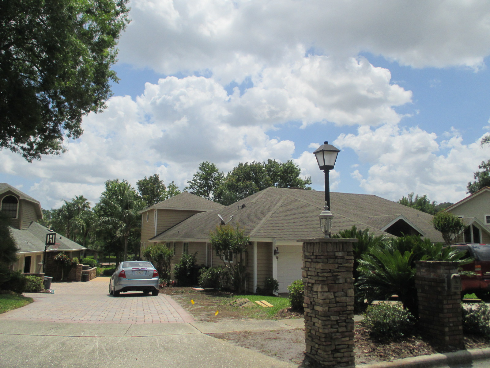 We buy houses FL in Lake Mary. Sell my house fast Lake Mary for cash.