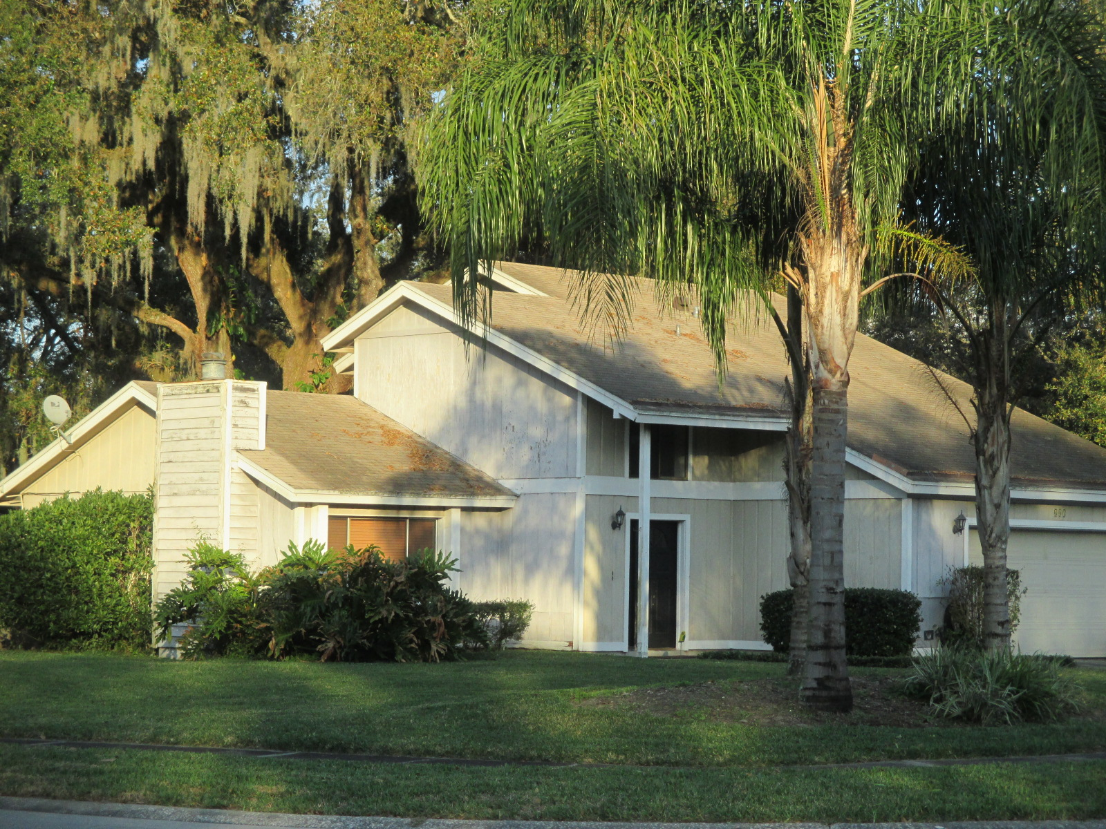 We buy houses FL in Tampa. Sell my house fast Tampa for cash.